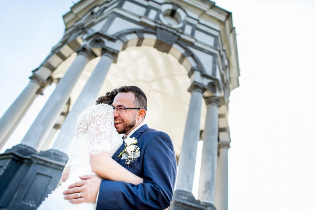 rire - mariés - Photographe de mariage - La ferme du Grand MArcha - MAirage enghien - Photographe Enghien