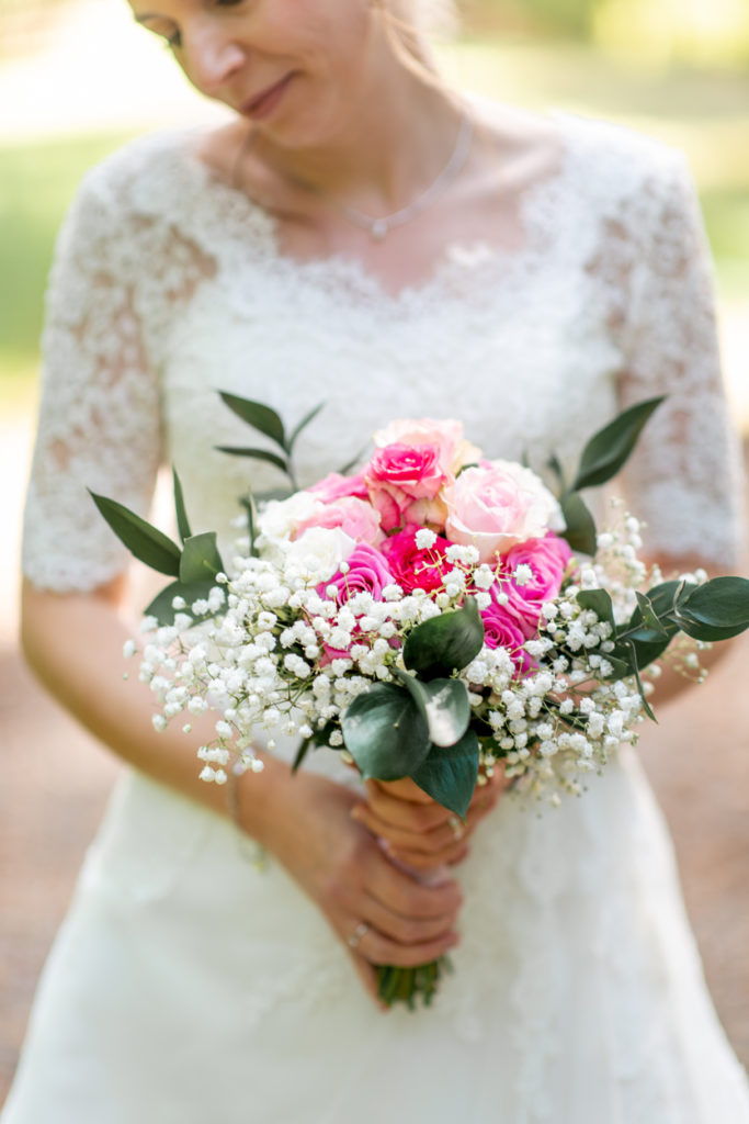 Bouquet - Fleurs - mariée - Photographe de mariage - La ferme du Grand MArcha - MAirage enghien - Photographe Enghien