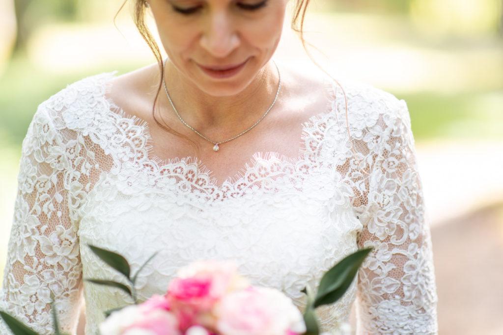 Bijoux - mariée - Photographe de mariage - La ferme du Grand MArcha - MAirage enghien - Photographe Enghien