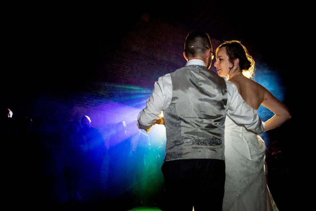 Première danse - Dance floor - Photographe de mariage - La ferme du Grand MArcha - MAirage enghien - Photographe Enghien