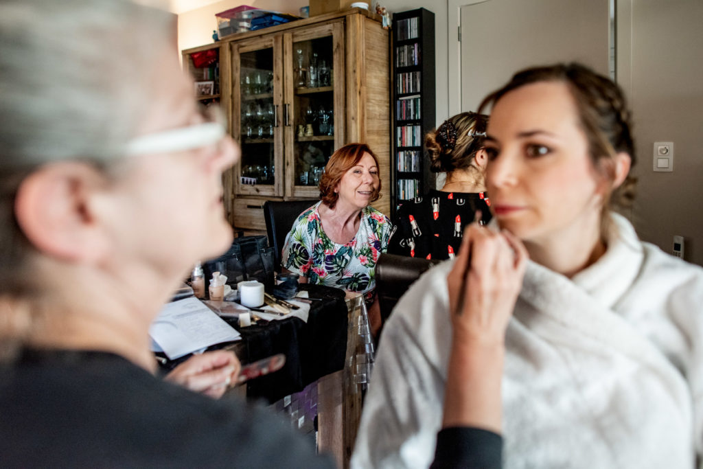 maquillage - Préparatifs - Photographe de mariage - La ferme du Grand MArcha - MAirage enghien - Photographe Enghien